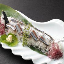根室のとろ秋刀魚の姿造り